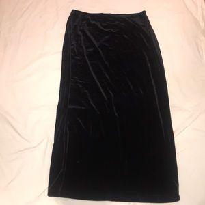 Stretch Blk velvet long pullon skirt elastic waist